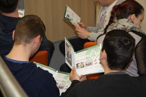 ZGZM zadbał, by uczestnikom spotkania nie zabrakło materiałów edukacyjnych na temat zasad segregacji.
