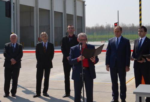 Prezes GPK-SITA Głogów Zbigniew Rybka cierpliwie odczytał treść porozumienia.