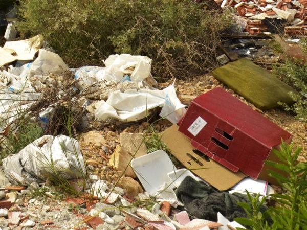 Dzikie wysypisko śmieci